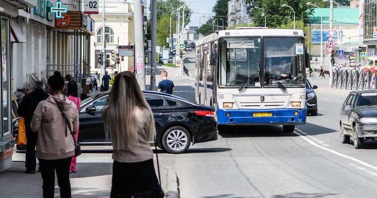 В Тюмени из автобусов выгоняют пассажиров без масок