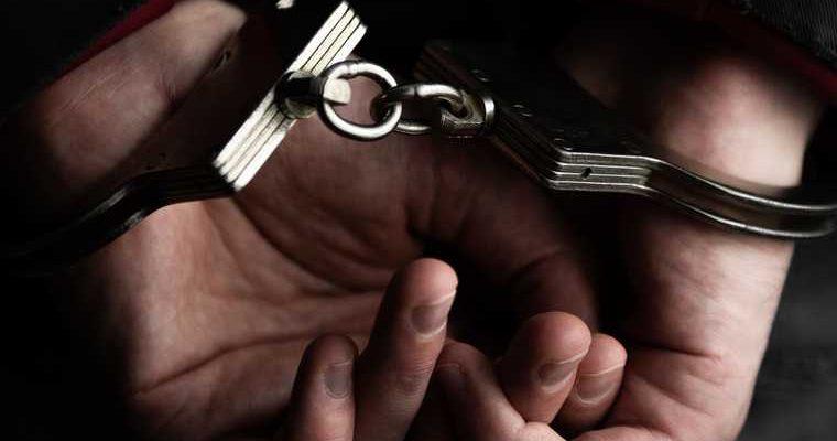 капитан «Манчестер Юнайтед» получил срок за нападение на полицию