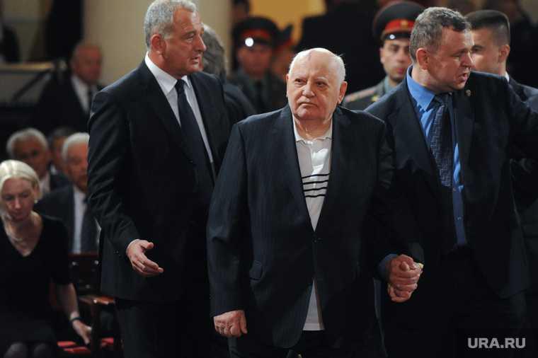 В Германии поставили памятник Горбачеву