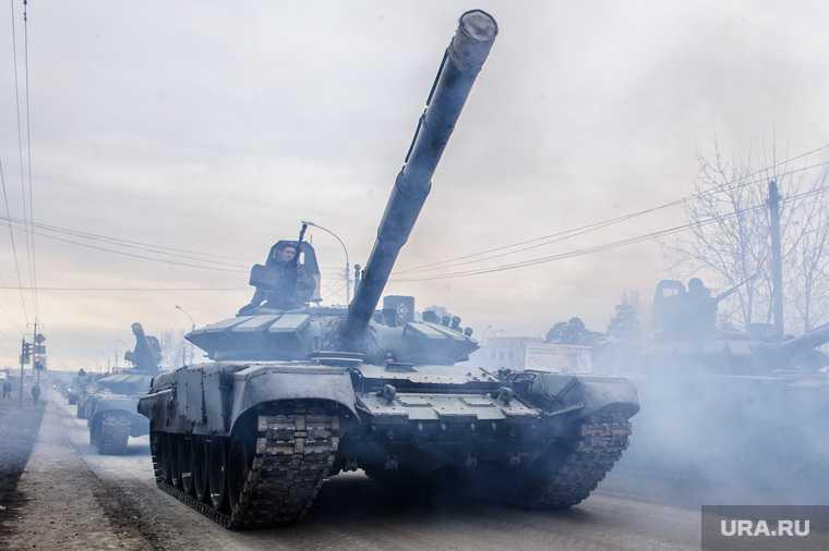 Возле линии разграничения на Донбассе заметили танки
