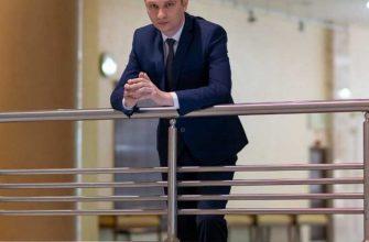 Директор сургутского музыкально-драматического театра Лычкатая профессиональный праздник