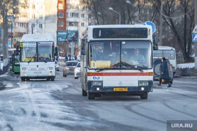 обработка автобусов от коронавируса 16 марта 2010 г. Пермь.
