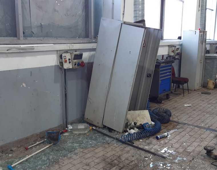 Работнику автосалона в Екатеринбурге взрывом разорвало голову. Фото