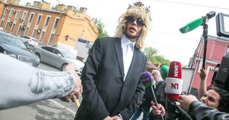 Сергей Зверев нищенствует