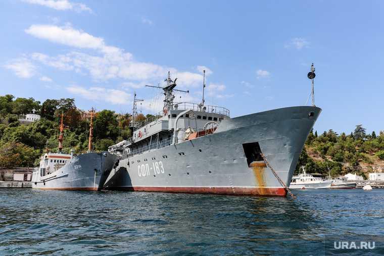 военные учения море