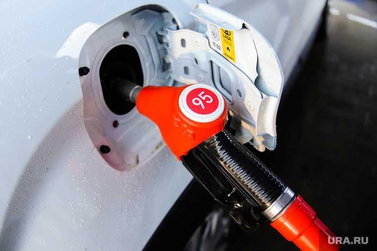 бензин почему дорожает в россии монополисты