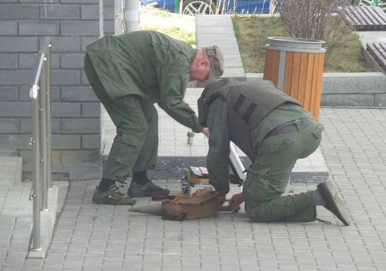 К отделу полиции в Екатеринбурге подбросили гранаты. Фото
