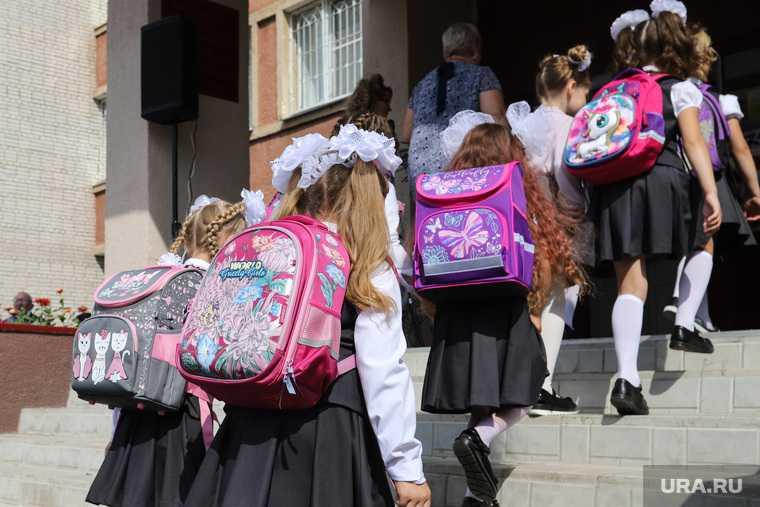 дети в селе Александровка Оренбургская область просили вернуть им школу