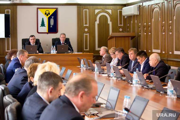 новости хмао депутаты решили остановить объединение Дворца искусств и ДК «Октябрь» выступили против мэра решения администрации