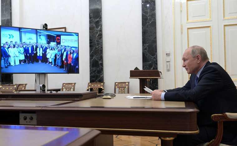 Путин повысил статус кремлевской школы губернаторов