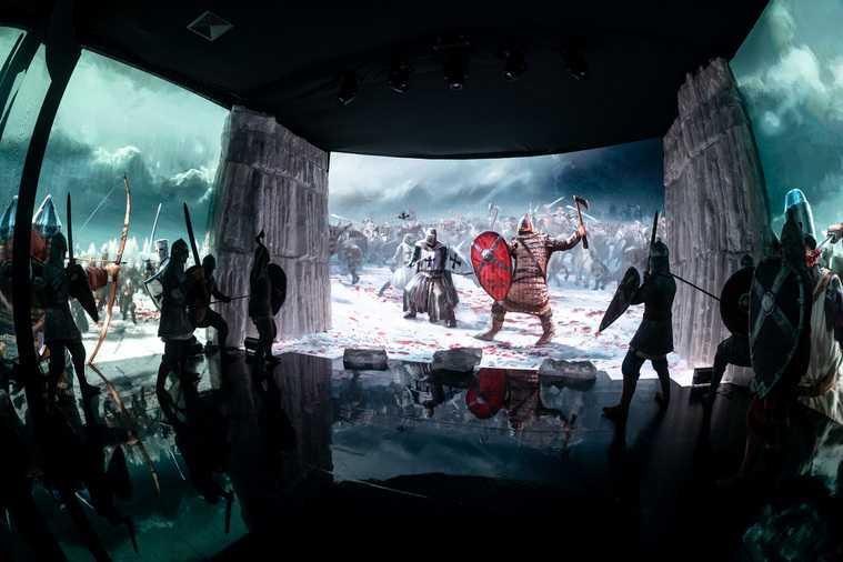 Режиссер Михалков приехал в Екатеринбург на мировую премьеру. Фото