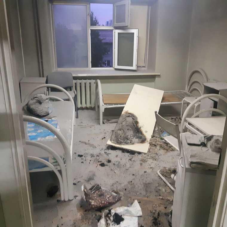 В Нижневартовске загорелась окружная больница. Эвакуировано больше 200 человек